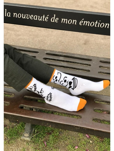 Chaussettes Originales Blanches avec les Motifs Moods - Cruel Dilemme 100% Made in France